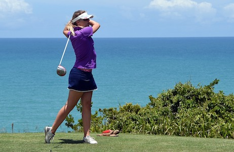 lady_golfer_by_the_sea