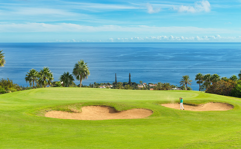 The second hole at Tecina Golf on La Gomera with its large bunkers and ocean view