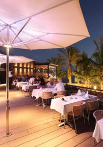 Dining on the terrace at Lopesan Costa Meloneras Resort